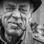 07-Čovek s cigarom