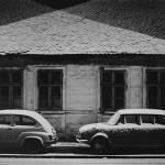 31 Prvi sneg, kuća, dva automobila, 1974